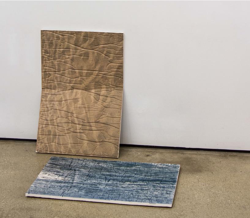 Mirando la arena sobre el mar.2015.Inkjet print mounted on plaster