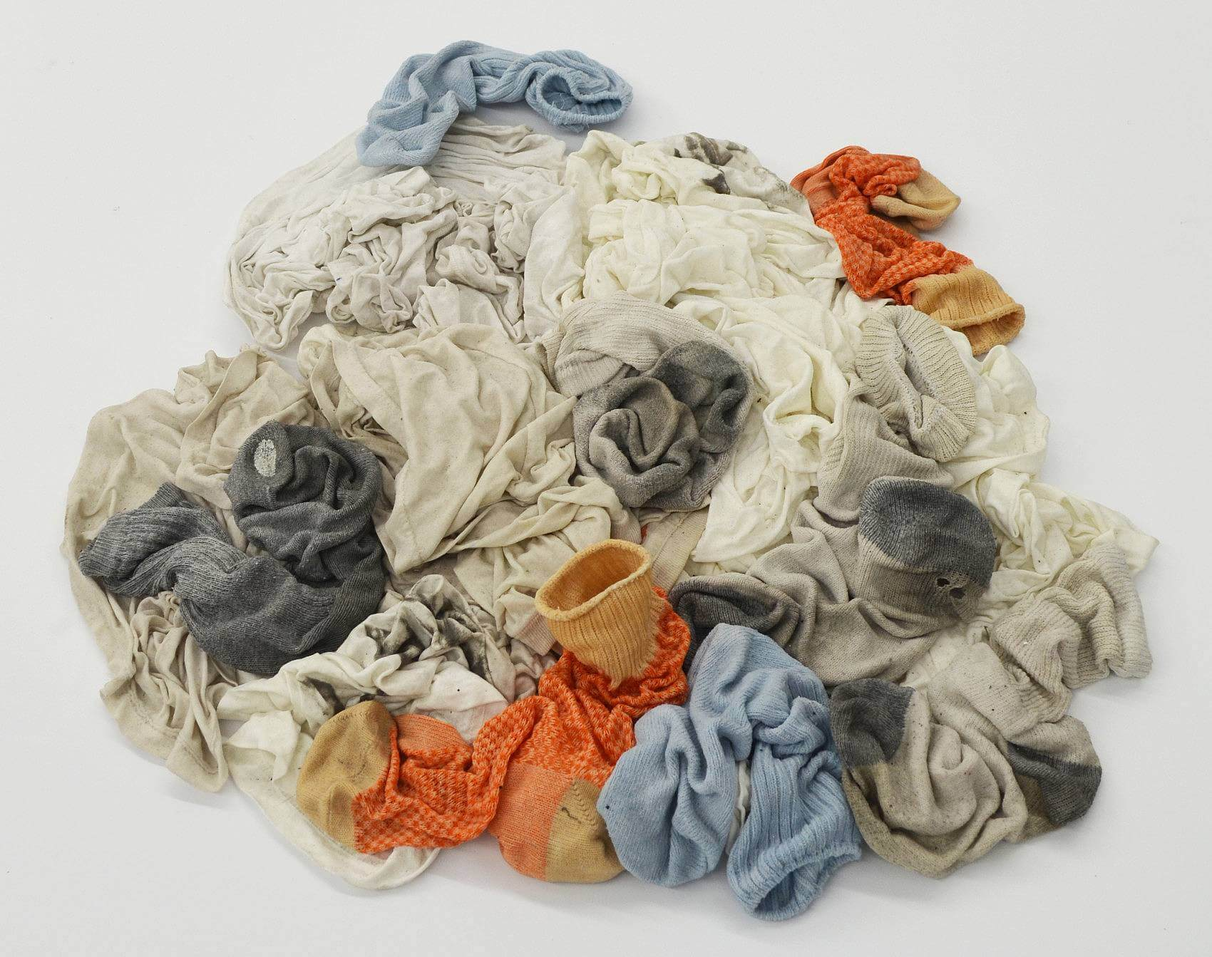 artist of the week lauren taylor lvl3 media clothes pile